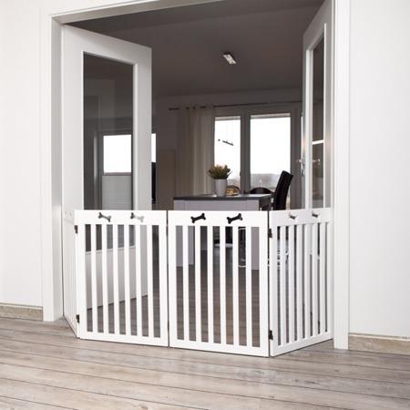 Ogrodzenie w formie czteroczęściowej barierki - białe